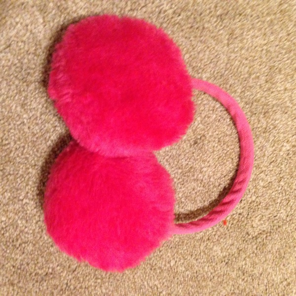Pink headband with earmuffs is being swapped online for free