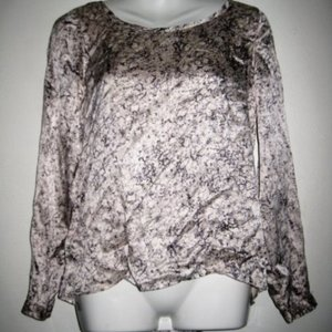 Club Monaco Ivory & Gray Marble Design Blouse - Size XS is being swapped online for free