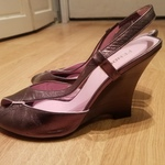 FENDI Wedge Pumps sz 7 is being swapped online for free