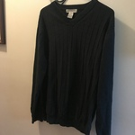 Retreat black sweater M  is being swapped online for free