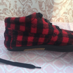 Sketchers black and red plaid felt shoes size 7 is being swapped online for free