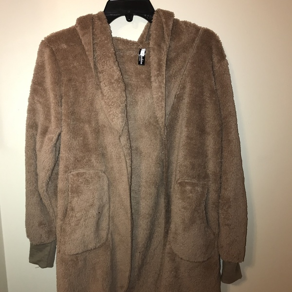 Women's light brown fuzzy cardigan with hood and pockets size small is being swapped online for free