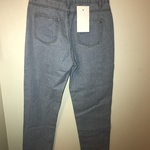 Women's light wash boyfriend/mom/vintage high-waisted jeans size small is being swapped online for free