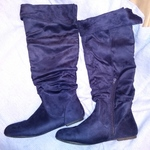 Du Viccino Women's Suede Knee High Flats Slouch Boots size 9 Navy Blue Pull-on is being swapped online for free