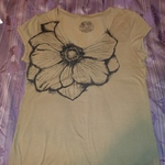 5 MIsc TShirts Womens XL and XXL New is being swapped online for free