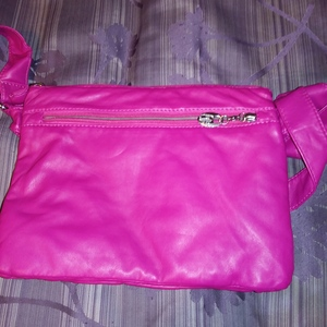 Pink Unbranded Purse 10 1/2W X 8L is being swapped online for free