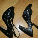 BCBG MaxAzria Leather Heels sz 6 is being swapped online for free