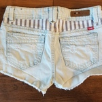 YMI American Flag Distressed Lightwash Shorts is being swapped online for free