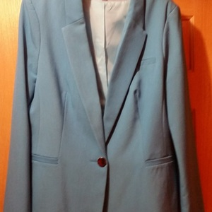 Like new, Long Tall Sally expensive blazer for a size 12 tall girl is being swapped online for free