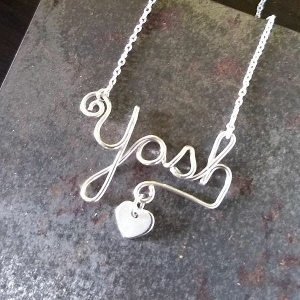 Custom Name Wire Necklace is being swapped online for free
