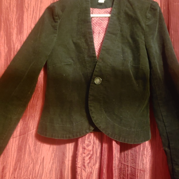 M (fits SM) Old Navy Corduroy Jacket- black is being swapped online for free