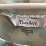 Tan Jay top Short sleeve  is being swapped online for free