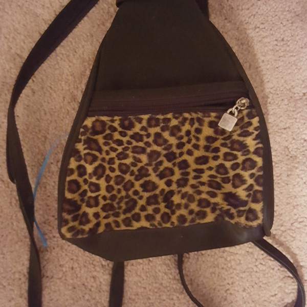 Backpack/Crossover leopard print bag is being swapped online for free