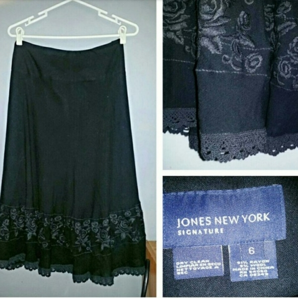Black Floral Trimmed Skirt sz 6 is being swapped online for free