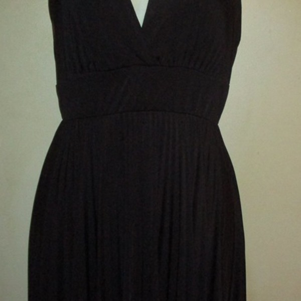 Beautiful Black Dress Must See !! is being swapped online for free