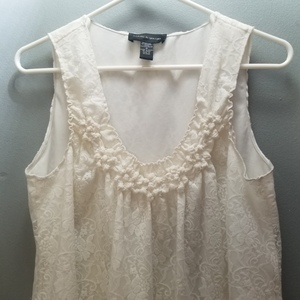 Cable & Gauge Sleeveless Blouse Sz M is being swapped online for free
