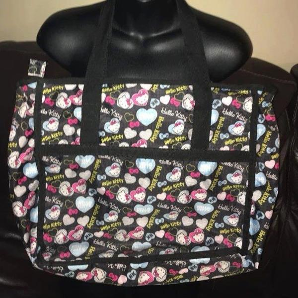 Hello Kitty Zip-Up Cute Tote bag :) is being swapped online for free