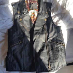 Sanctuary Clothing Womens Leather Vest, Extra Small, Perfect Condition! is being swapped online for free