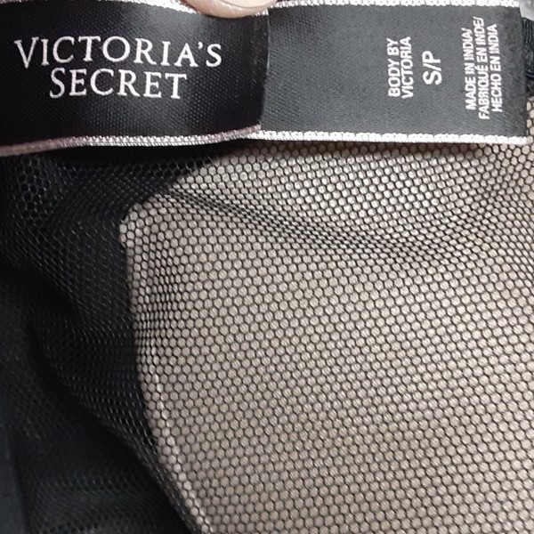 Victoria secret bralette is being swapped online for free