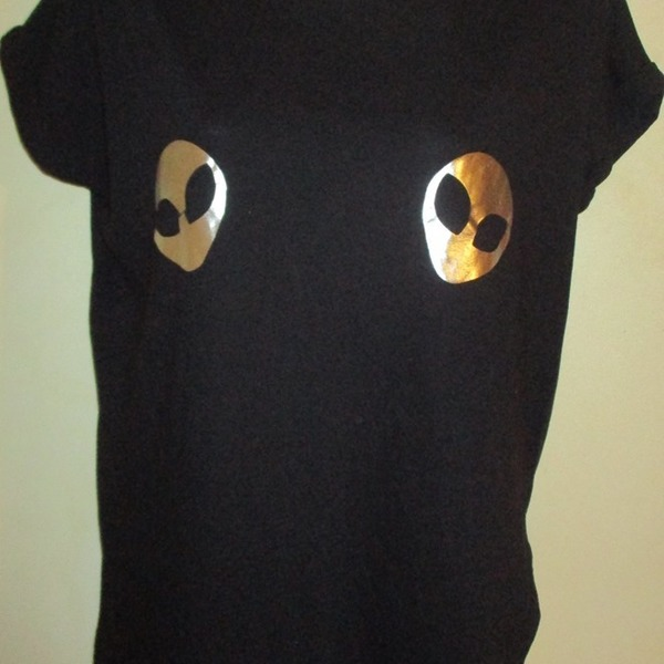 Cute Alien Tee :) is being swapped online for free