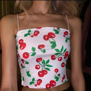 Cherry crop top is being swapped online for free