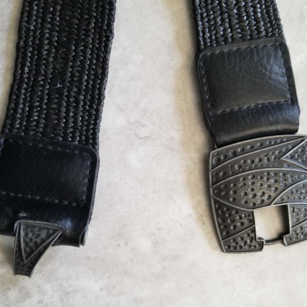 Elasticized Black ladies belt is being swapped online for free