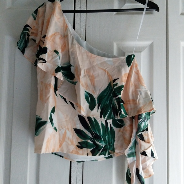 Donna Degnan Leaf Print One Shoulder Nwot Sz S is being swapped online for free