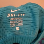 Nike Dri Fit Work Out Top Sz Xs is being swapped online for free