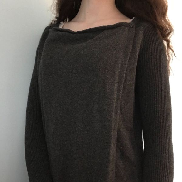 SimplyVera Vera Wang Sweater is being swapped online for free