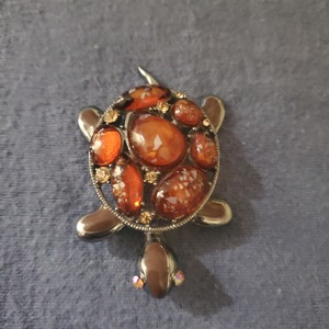Vintage brooch  is being swapped online for free