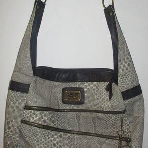 Awesome Womens VANS Purse !! is being swapped online for free
