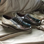 Oxford style shiny shoes is being swapped online for free