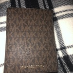 Michael kors wallet is being swapped online for free
