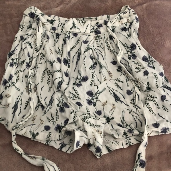 Jack Wills Floral High Waisted Shorts is being swapped online for free