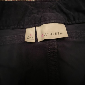 Dark navy shorts by Athleta is being swapped online for free