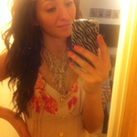 aDisa_xo is swapping clothes online from New York