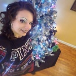 whitney28 is swapping clothes online from